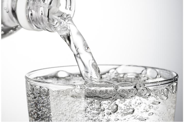 新品牌崛起巨头入局,气泡水市场潜力待挖掘图片