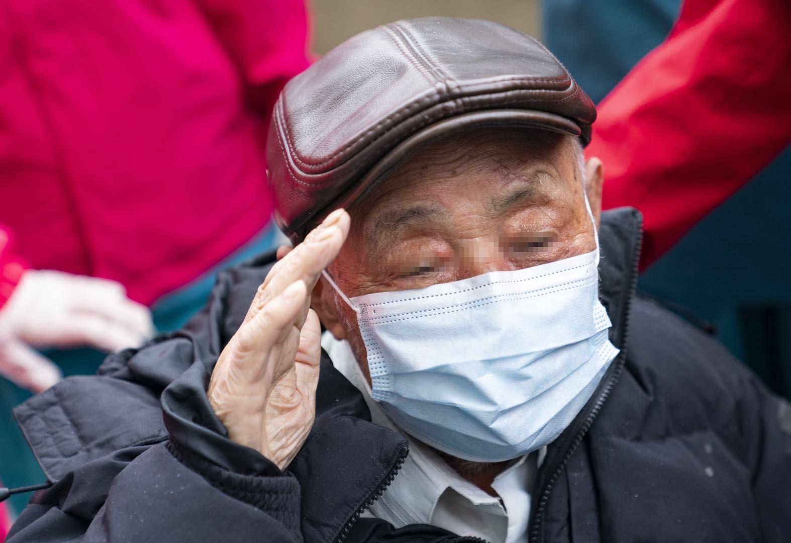 在院新冠肺炎患者數減半 台灣醫療隊啓動病區歸並圖片