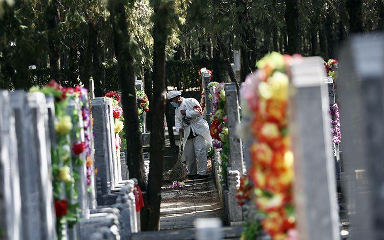 北京今日约1.8万人到现场扫墓,网上祭扫超千人图片