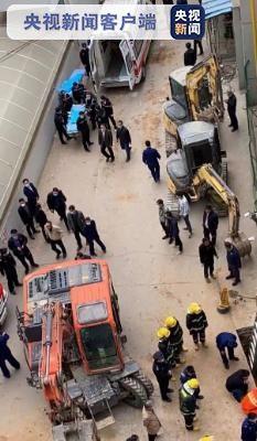 西安临潼一施工点坍塌致3人被埋:1人死亡2人被困图片