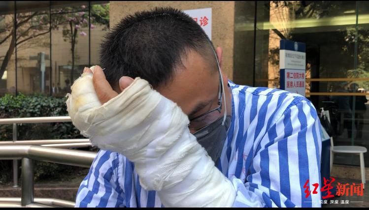 邻居倒清洁剂引发大火,一家五口被烧伤,2岁小女儿住进ICU……