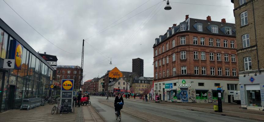 当地时间3月18日,哥本哈根某街头,行人较少。 受访者供图