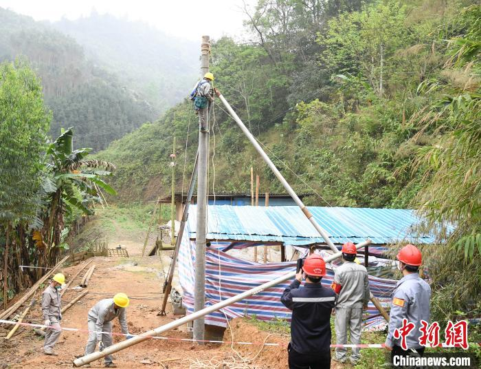 广西中越边境农网改造升级建设忙