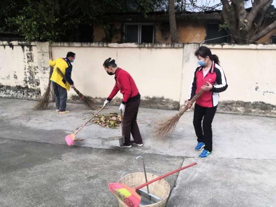 武鸣体育训练基地组织开展抗疫爱卫清洁行动
