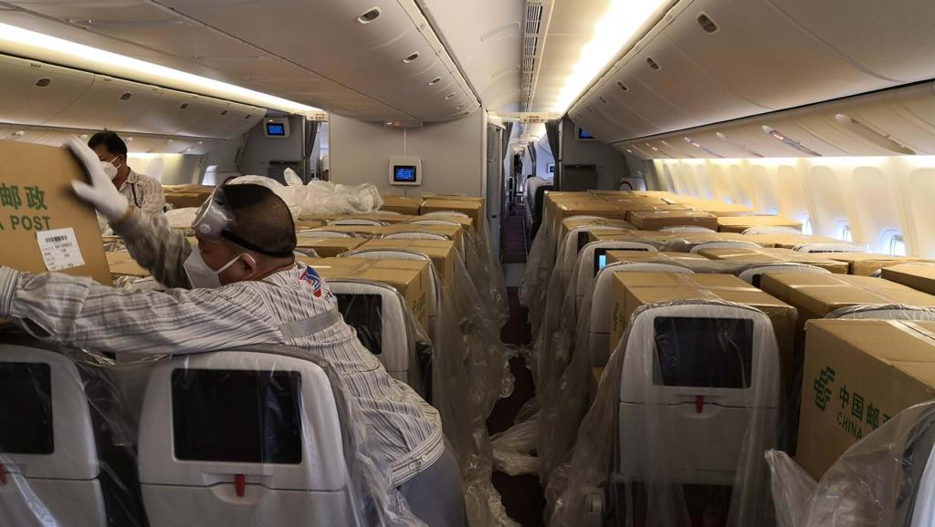 疫情客货两重天,航空货运获政策支持图片