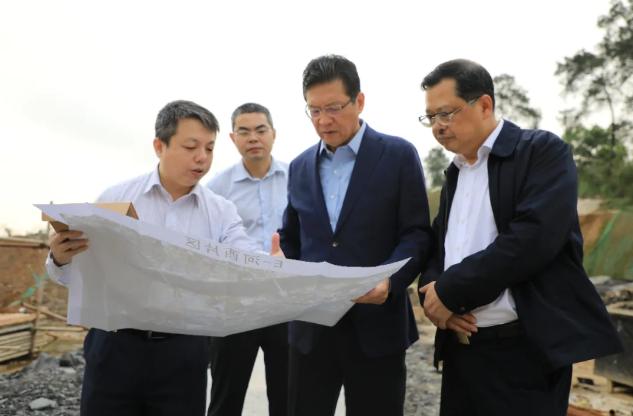 柳州市委书记:我们要带头摘口罩了,要不然老百姓不敢摘图片