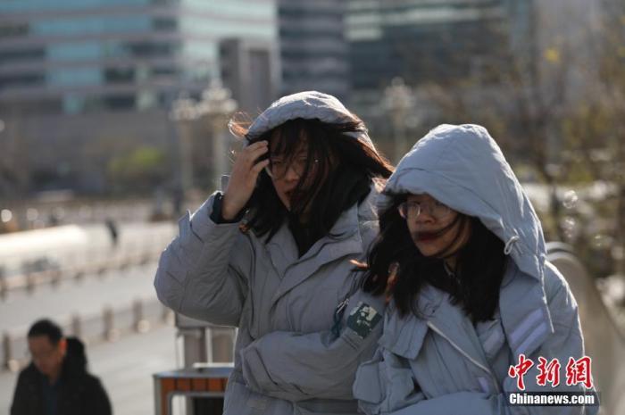 受较强冷空气影响 中东部大部地区气温将下降6至10℃图片