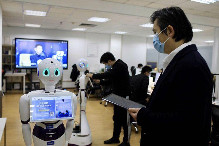 AI医生问诊 机器人消毒 海淀创业园科技助力疫情防控图片