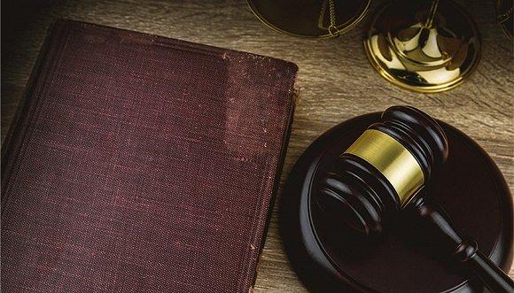 安徽阜阳一处级干部伙同一科级干部巨额索贿被公诉