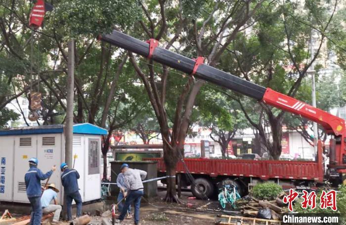 强暴雨袭击致广西16.3万户用电受