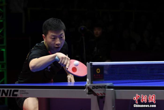 资料图:中国选手马龙在比赛中。 安源 摄