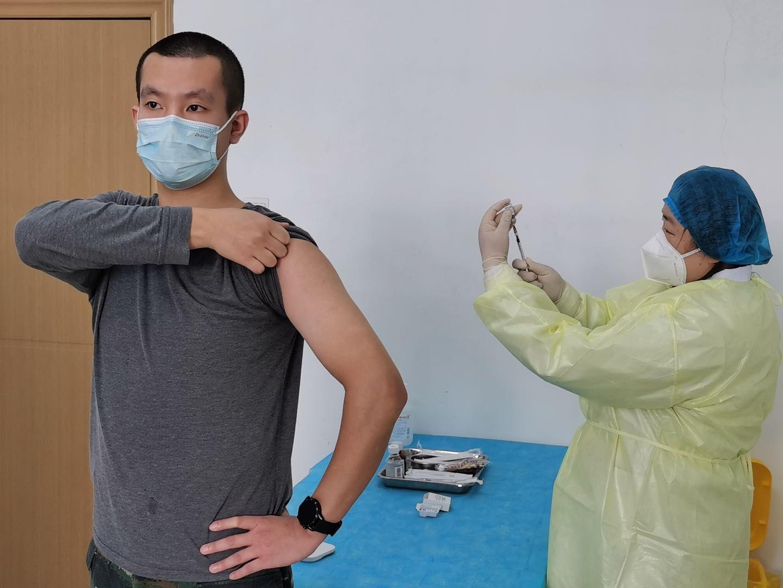 新冠疫苗临床研究团队:4800人中选出108位受试者图片