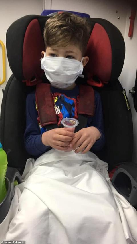 英国5岁男童感染新冠肺炎,高烧42度哭着问妈妈这句话