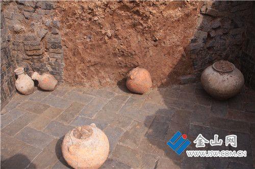 句容市赵塘头村发现一座汉代古墓