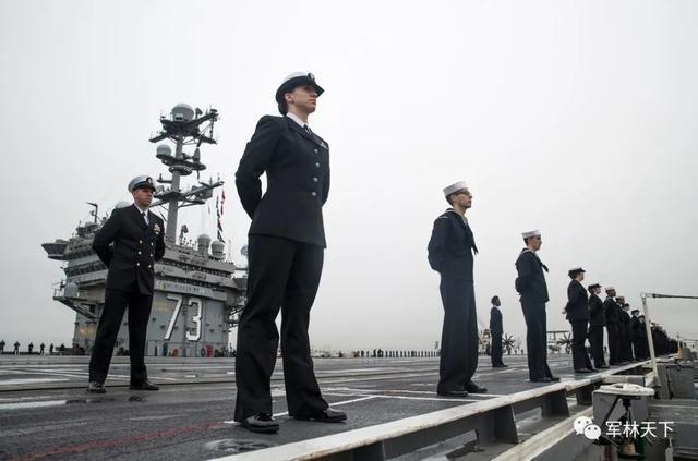 美国海军确诊人数已经过百,一天暴增35例,核动力航母成重灾区