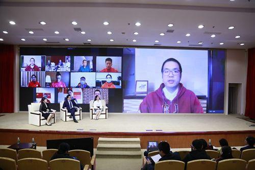 """上海交大医学院《交医话""""疫""""》系列在线思政课开讲 云端对话最美逆行者"""