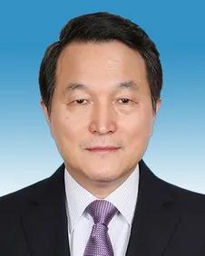 他任江苏省委常委、省纪委书记,系安徽无为人
