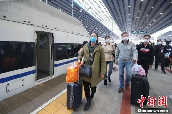 1万多人从湖北乘高铁返京,谁能回?怎么回?答案来了
