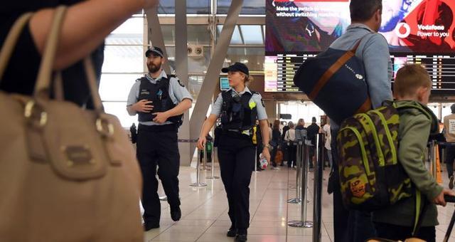 澳大利亚防控措施升级 禁止两人以上聚会
