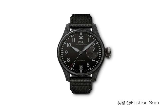 "IWC 推出全新 Big Pilot""Black Carbon""腕表"