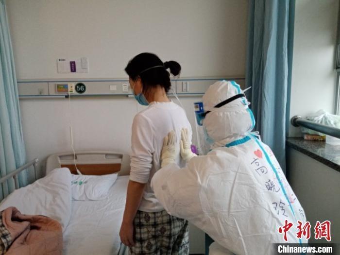 图为山西医科大学第二医院支援湖北医疗队员高晓玲。 受访者供图