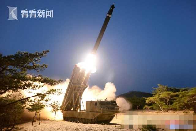 朝鲜首次试射六管火箭炮 金正恩罕见缺席引猜测