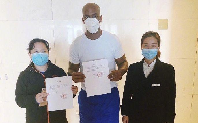 体育晨报:中国女冰两队员确诊,马布里向纽约捐口罩