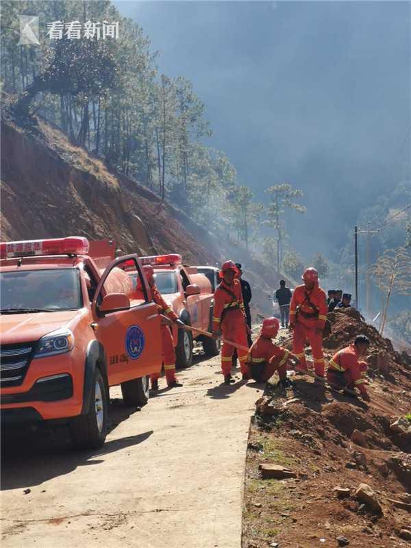 视频|四川木里森林火灾:已投入3000余人参与灭火图片