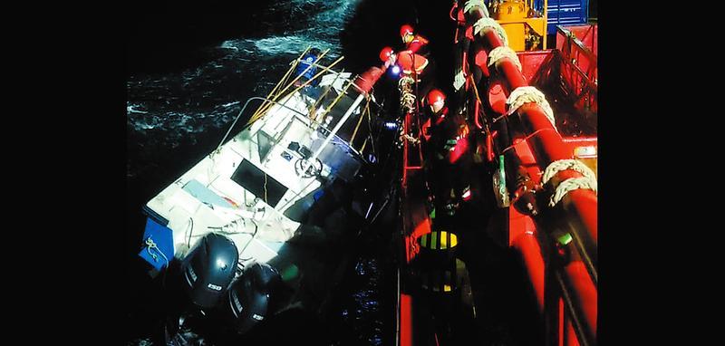北部湾海域刮大风!连发3起钓鱼船遇险险情4人失联