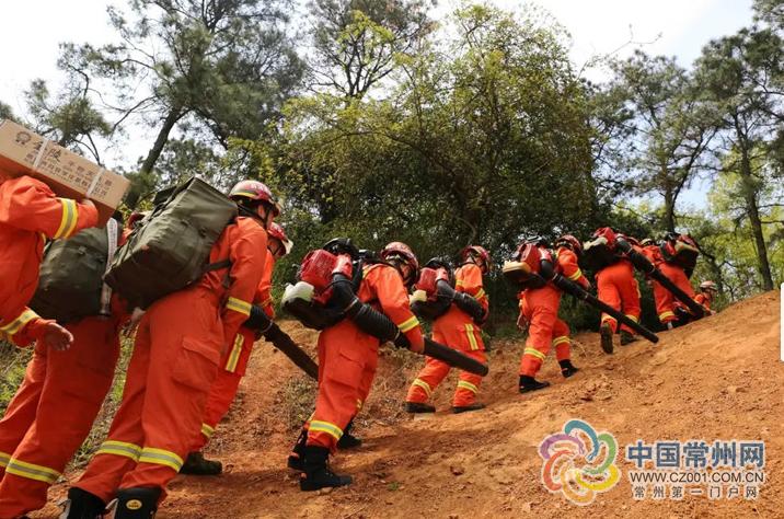 不打无准备之仗 常州消防开展森林火灾扑救演练