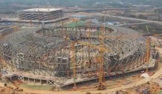 2021年世界大学生夏季运动会场馆建设 主体育场钢结构顺利封顶