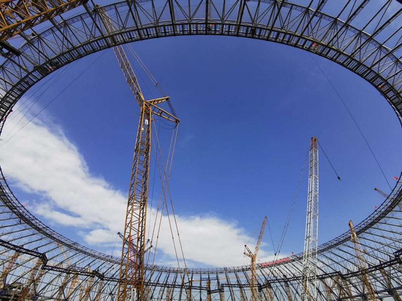 四川按下复工复产加速键!成都大运会开闭幕式主场馆钢结构主体封顶