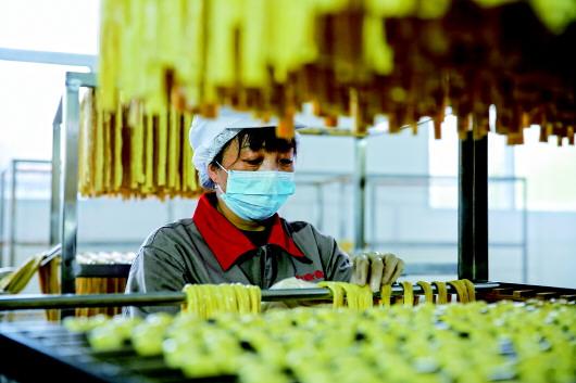 萍乡:促复工保供应