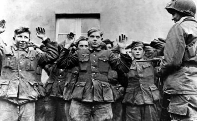 德国332团杀害一位苏联少女,斯大林亲自下令,不要一个俘虏