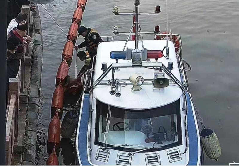醉酒游泳散步落水……广州水警仅一天就在珠江救起五人