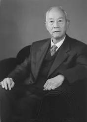 中国工程院院士、东华大学教授郁铭芳先生