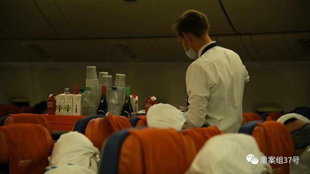 莫斯科10日抵沪航班60人确诊,同机乘客全部集中隔离观察图片