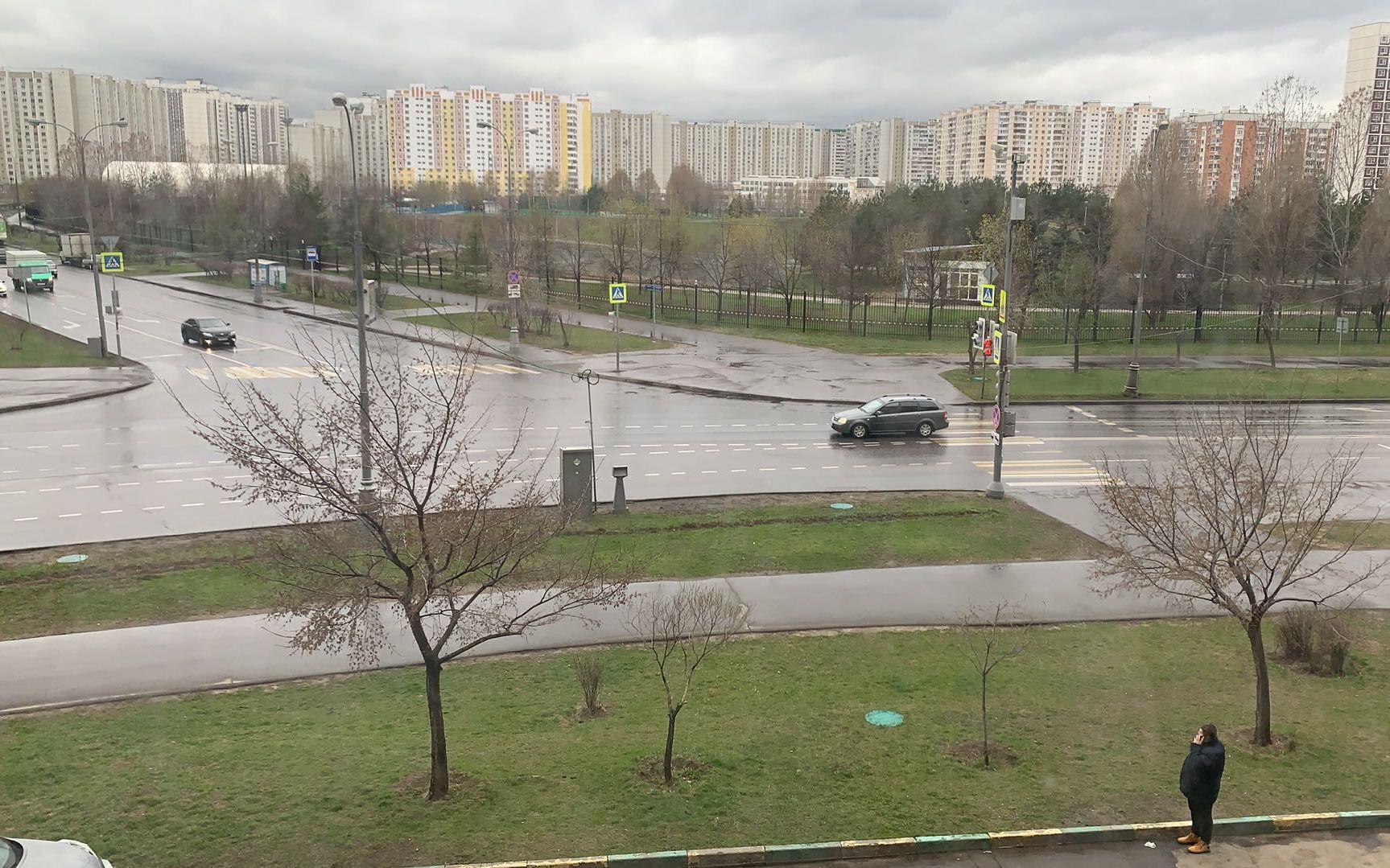 莫斯科市的街道上,车辆较往日明显减少。受访者供图