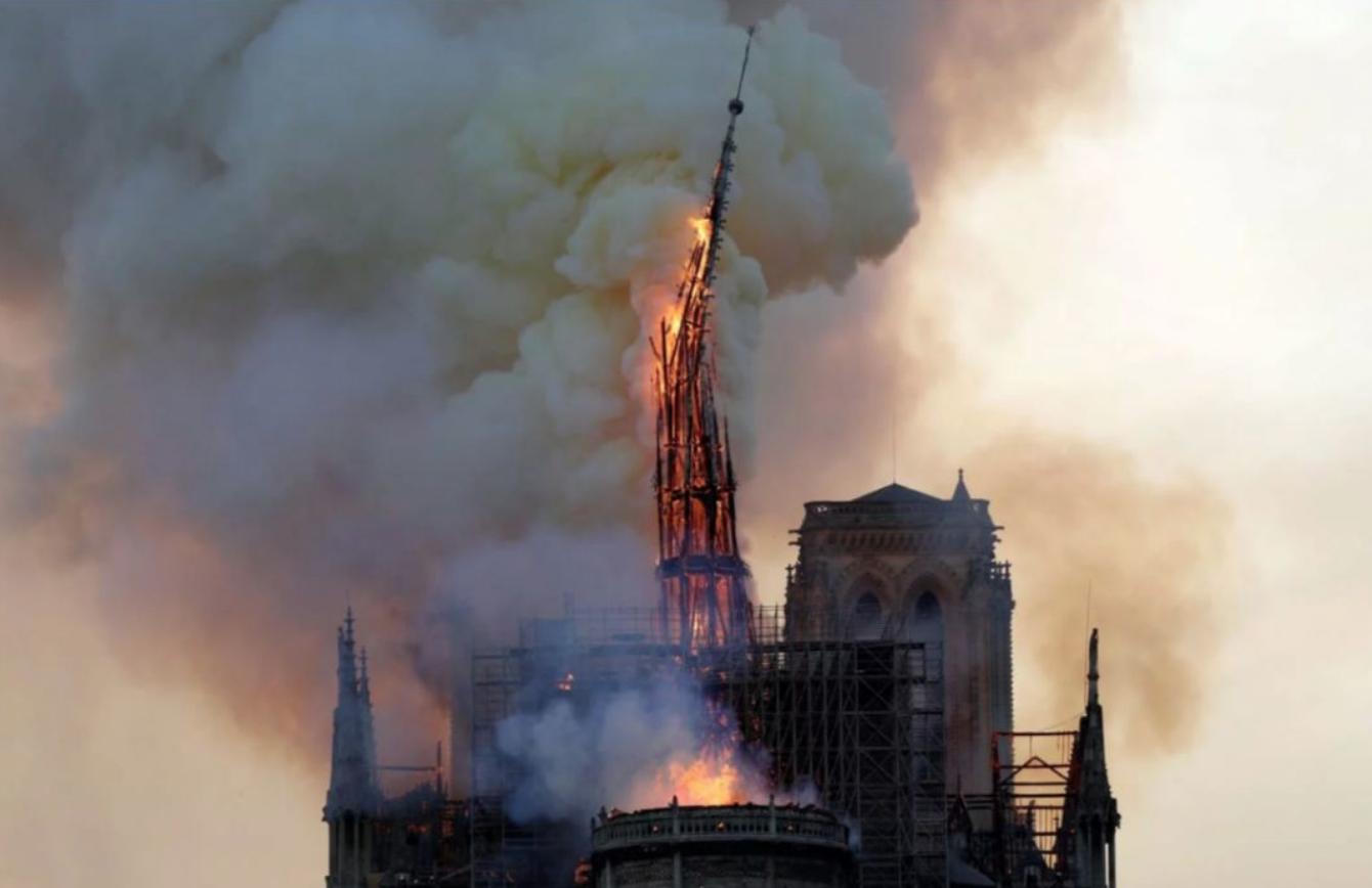巴黎圣母院大火一周年:因疫情搁置,2021年开始重建图片