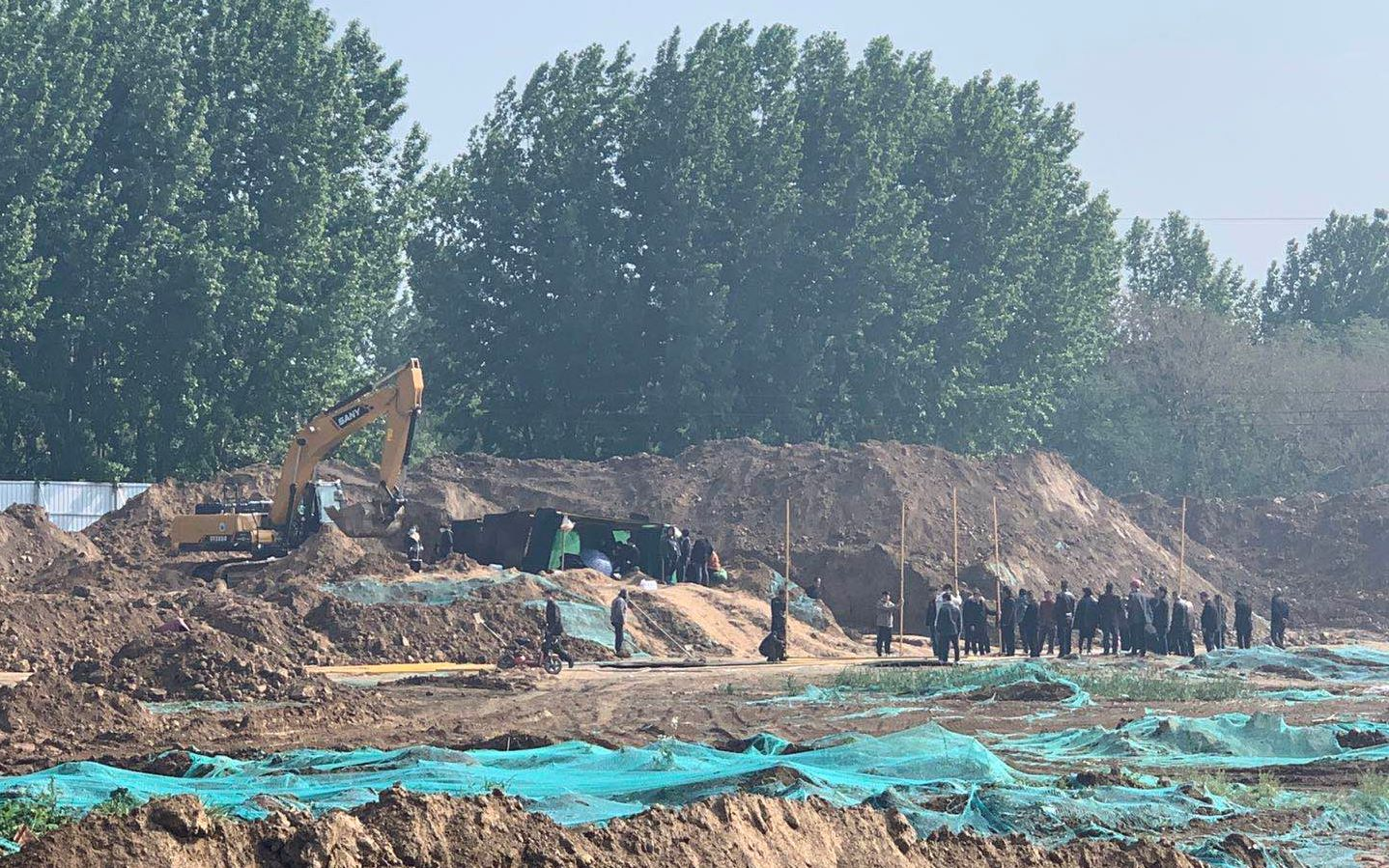 河南原阳4名儿童小区土方内死亡 项目责任人已被控制图片