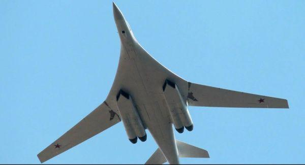 """""""仅用两根手指就能操纵""""俄试飞员称图-160M轰炸机灵活易操纵"""
