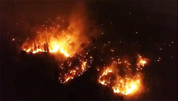 取得阶段性成果!西昌泸山正面明火全部扑灭!扑救仍在继续……