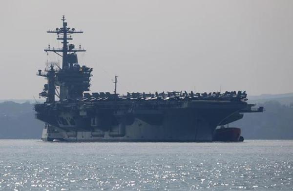 """""""罗斯福""""号航母超百人感染舰长向军方求援,美防长:暂不撤"""