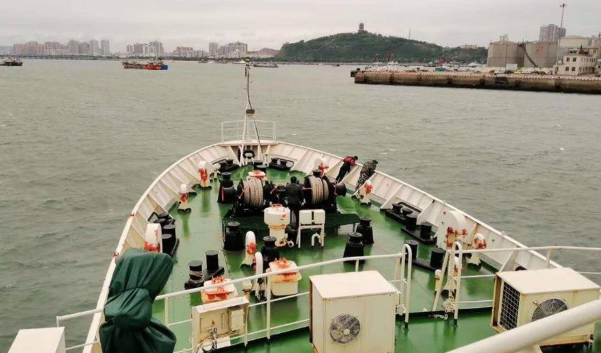 广西渔船遇险4名失联人员系一家四口,家属:已出海寻找图片