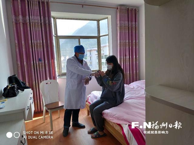 福州52岁村医暴走过春节