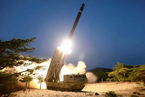 韩媒:朝鲜低调确认试射超大型火箭炮
