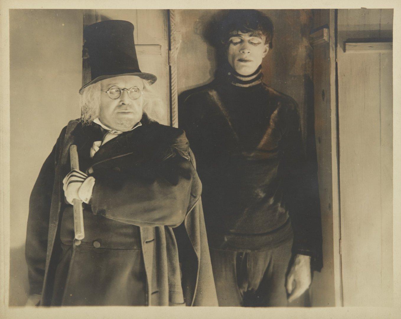 《卡里加里博士的小屋》55张剧照上拍,估价3万美元图片