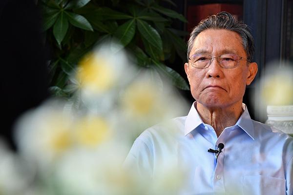 钟南山:八十四岁的抗疫逆行者图片