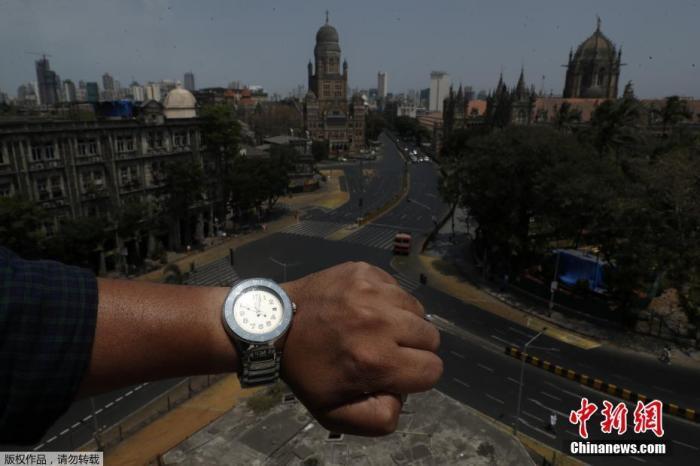 印度孟买,印度最繁忙的火车站之一贾特拉帕蒂·希瓦吉终点站。
