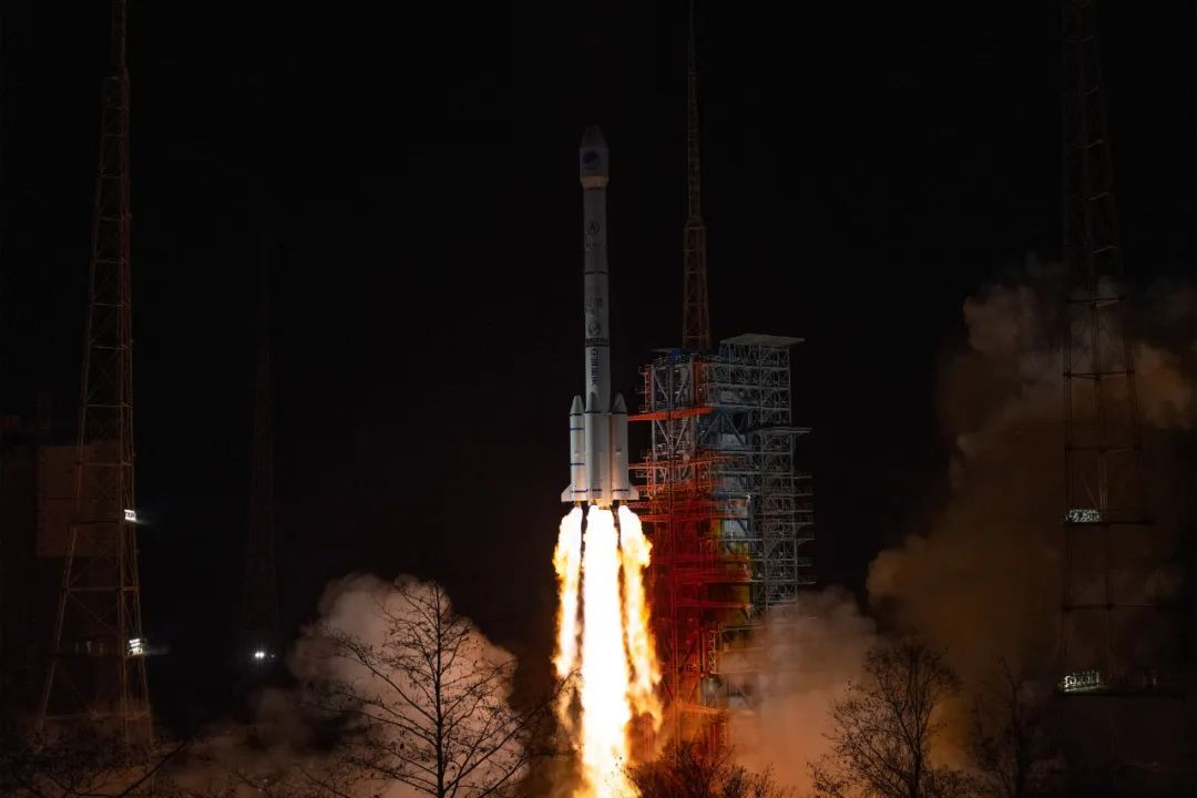 ▲2020年3月9日19时55分,我国在西昌卫星发射中央用长征三号乙运载火箭,乐成发射北斗体系第54颗导航卫星。新华社发(郭文彬 摄)